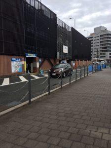 海響館駐車場